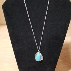 NWT Paparazzi Silver and Faux Turquoise Necklace